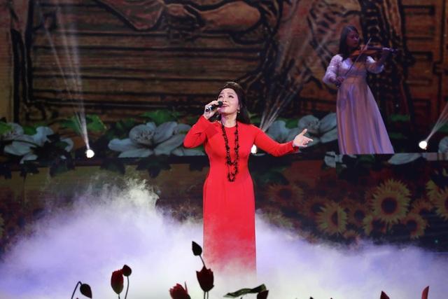 Hồ Ngọc Hà, Tóc Tiên dịu dàng khác lạ trong những khúc ca mùa xuân - 9