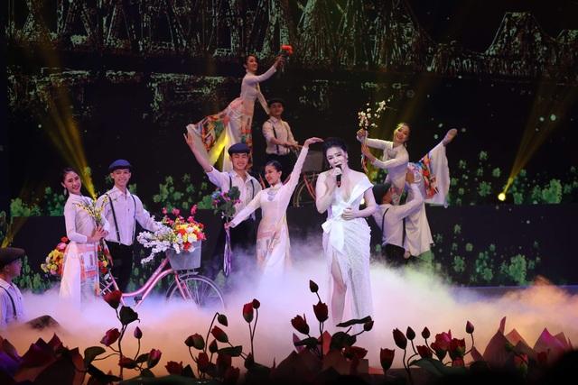 Hồ Ngọc Hà, Tóc Tiên dịu dàng khác lạ trong những khúc ca mùa xuân - 19