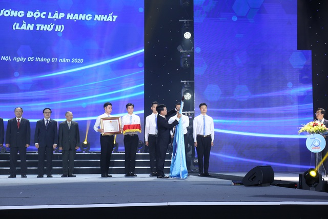 Hội Sinh viên Việt Nam nhận Huân chương Độc lập hạng Nhất lần thứ 2 - 1