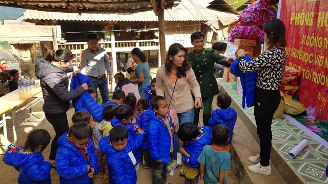 Báo Dân trí khánh thành điểm trường Mầm non sát biên giới Việt - Lào - 11