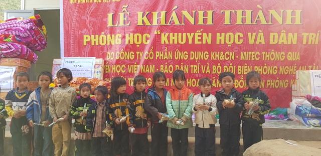Báo Dân trí khánh thành điểm trường Mầm non sát biên giới Việt - Lào - 10