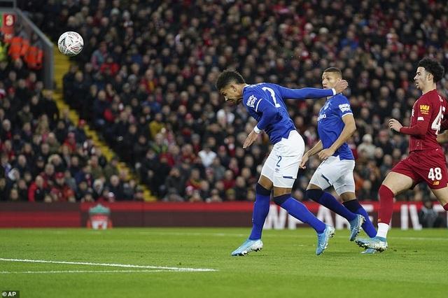 Minamino ra mắt nhạt nhòa, Liverpool vẫn gieo trái đắng cho Everton - 2