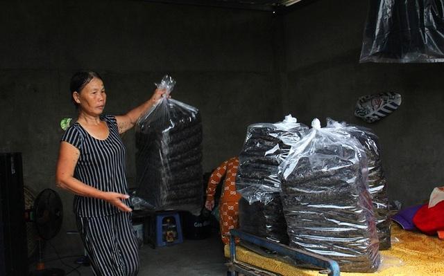Vớt rong biển, người dân làng chài Nam Ô thu nhập tiền triệu mỗi ngày - 3