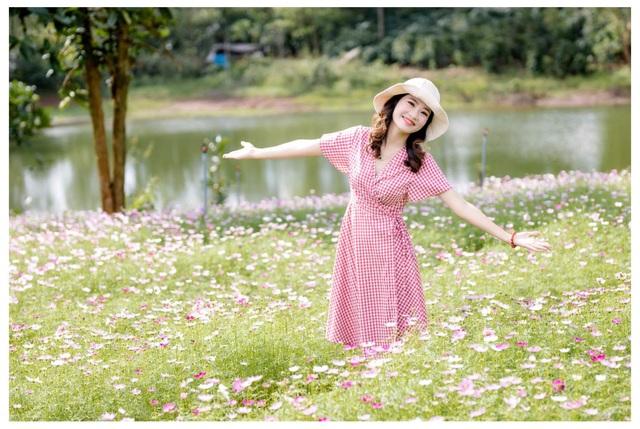 """Du khách mê mẩn vẻ đẹp vườn hoa tam giác mạch trên """"phố núi"""" - 2"""