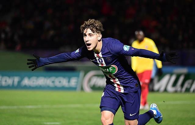 Cavani tỏa sáng, Paris Saint Germain đại thắng *6 sao - 1