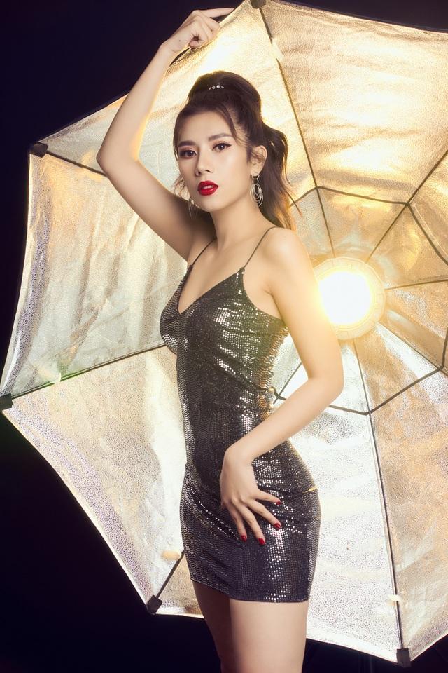 Không còn cổ điển, Dương Yến Nhung quyến rũ trong bộ ảnh mới - 4
