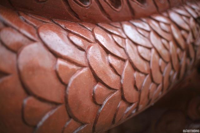 Ngắm chậu đào khủng Long quyện ngũ hành sơn giá bạc tỷ trên phố Hà Nội - 5