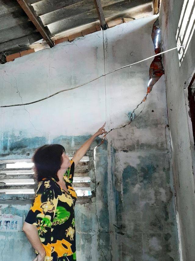 Hàng chục người dân kinh hãi lo nhà bất ngờ đổ sập do thi công bờ kè tại Sóc Trăng - 4