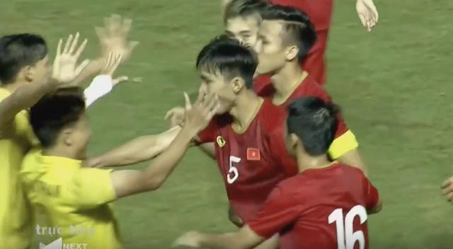 Thitipan Puangchan rời Nhật Bản về Thái Lan thi đấu - 1