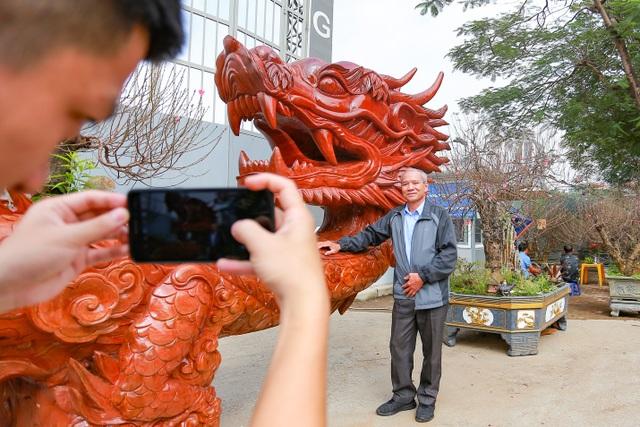 """Chậu đào """"khổng lồ"""" hình rồng ôm núi giá 1 tỷ đồng ở Hà Nội có gì đặc biệt? - 10"""