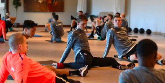 Cầu thủ Heerenveen khen Văn Hậu trong chuyến tập huấn ở Tây Ban Nha - 1