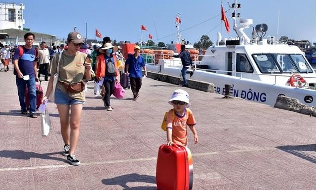 Sẵn sàng phương án đưa người dân về đảo Lý Sơn đón Tết - 1