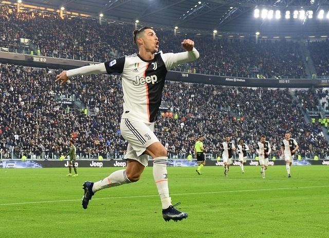 C.Ronaldo lập hat-trick, Juventus đại thắng ngày đầu năm - 1
