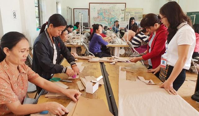 Gắn đào tạo nghề với giải quyết việc làm cho lao động nông thôn - 3