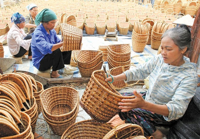 Gắn đào tạo nghề với giải quyết việc làm cho lao động nông thôn - 2