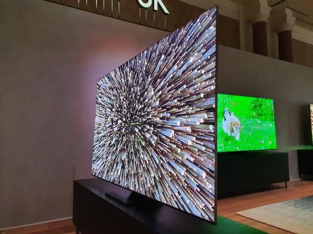 Cận cảnh TV 8K không viền màn hình của Samsung tại CES 2020 - 1