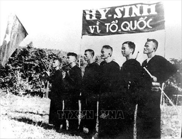 Đảng Cộng sản Việt Nam và 15 năm làm nên kỳ tích vĩ đại - 10