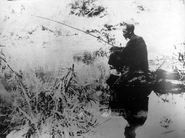 Đảng Cộng sản Việt Nam và 15 năm làm nên kỳ tích vĩ đại - 16
