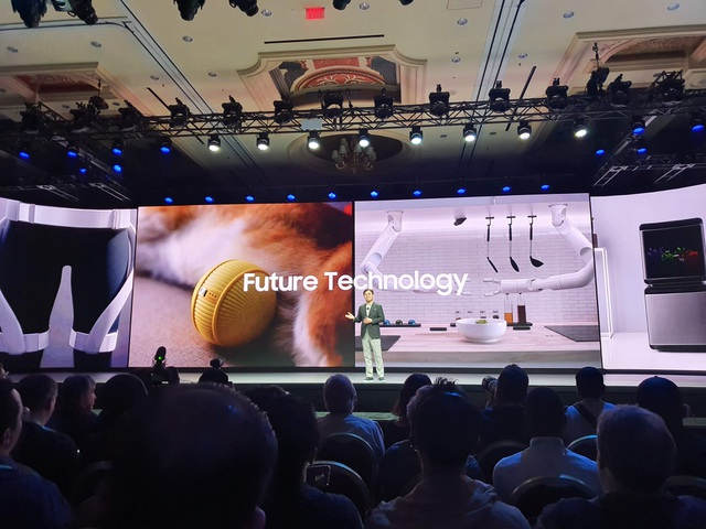 """Samsung trình diễn robot """"thú cưng"""" Ballie đặc biệt tại CES 2020 - 7"""