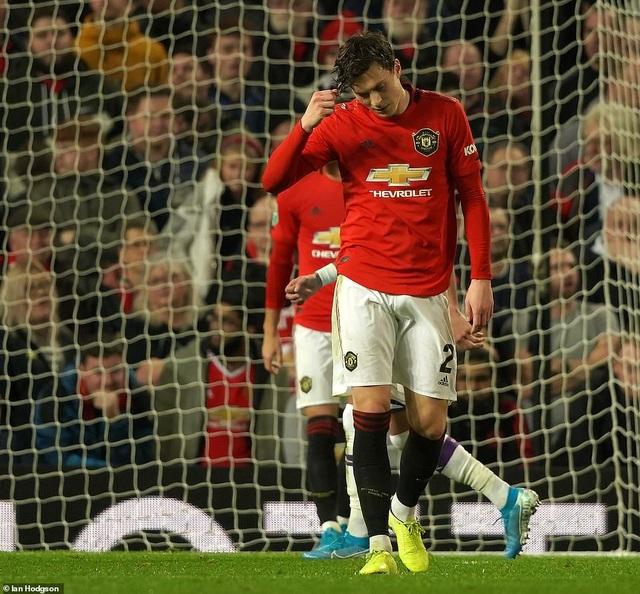 """Man Utd 1-3 Man City: Sai lầm liên tiếp của """"Quỷ đỏ"""" - 1"""