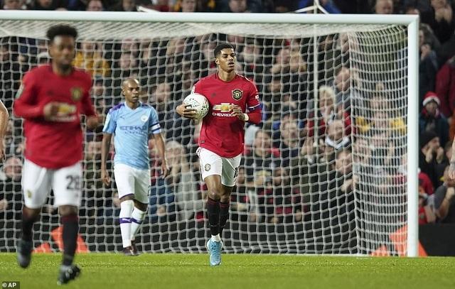 """Man Utd 1-3 Man City: Sai lầm liên tiếp của """"Quỷ đỏ"""" - 5"""