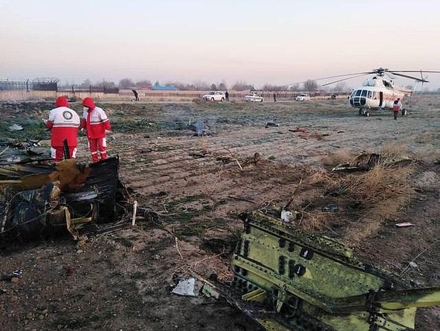 Rơi máy bay ở Iran, toàn bộ 176 người thiệt mạng - 2