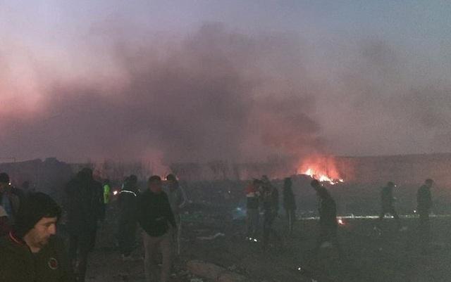 Hiện trường thảm kịch rơi máy bay khiến 176 người chết ở Iran - 9
