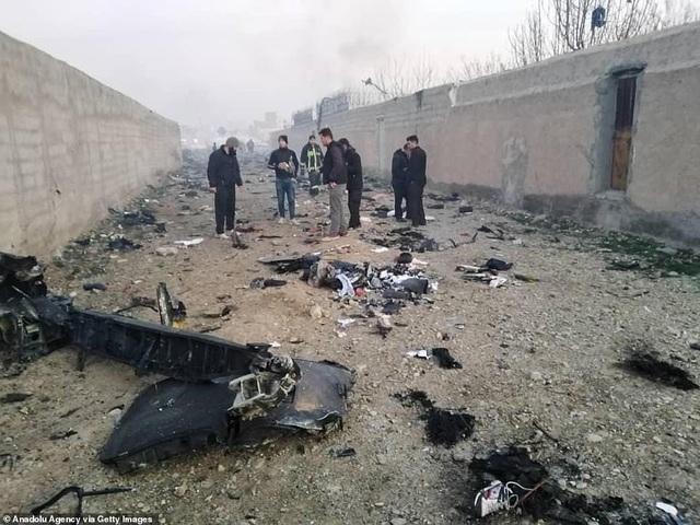 Hiện trường thảm kịch rơi máy bay khiến 176 người chết ở Iran - 10