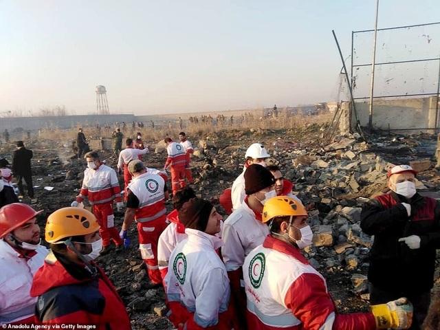 Hiện trường thảm kịch rơi máy bay khiến 176 người chết ở Iran - 5