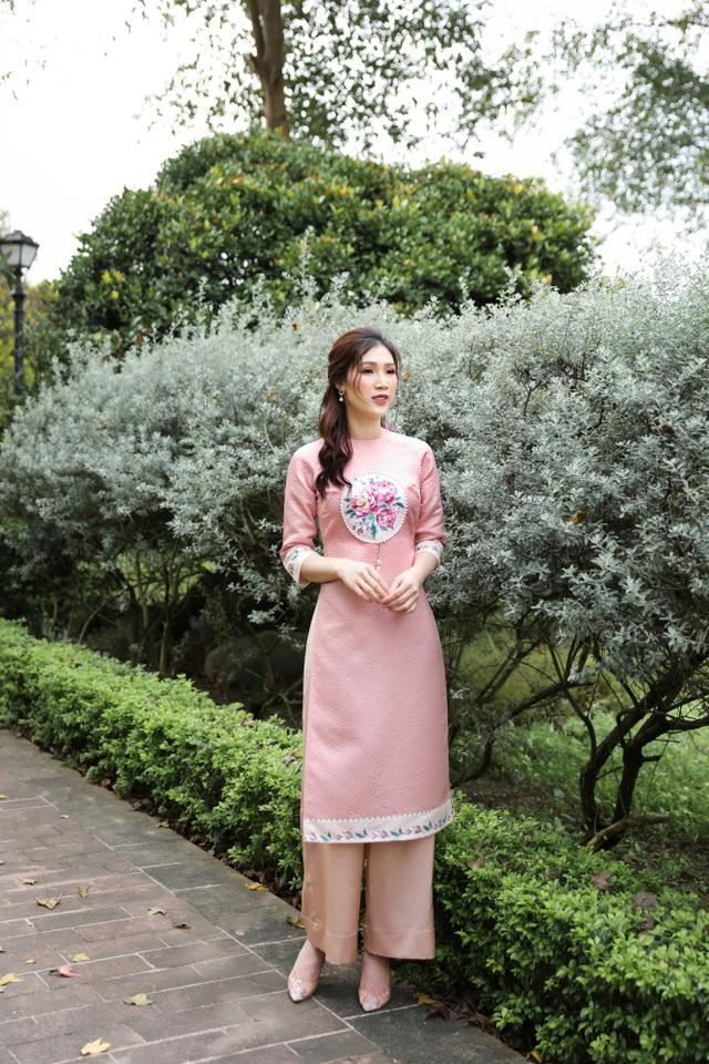 Hoa hậu Phí Thuỳ Linh lên dự định đón Tết, ước có thêm con gái - 12