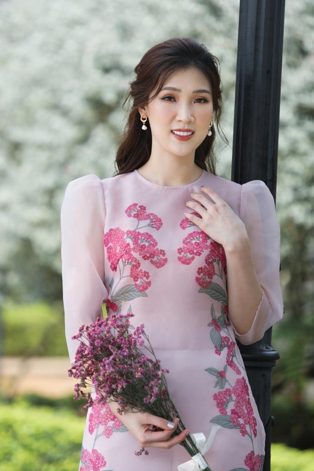 Hoa hậu Phí Thuỳ Linh lên dự định đón Tết, ước có thêm con gái - 1
