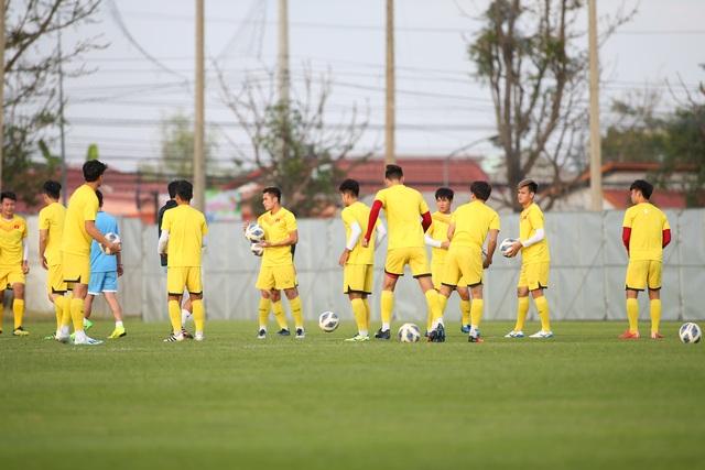 U23 Việt Nam luyện bóng bổng, sẵn sàng đấu U23 UAE trận ra quân - 14