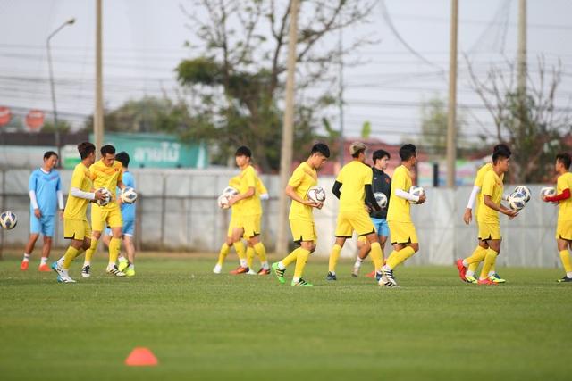 U23 Việt Nam luyện bóng bổng, sẵn sàng đấu U23 UAE trận ra quân - 3