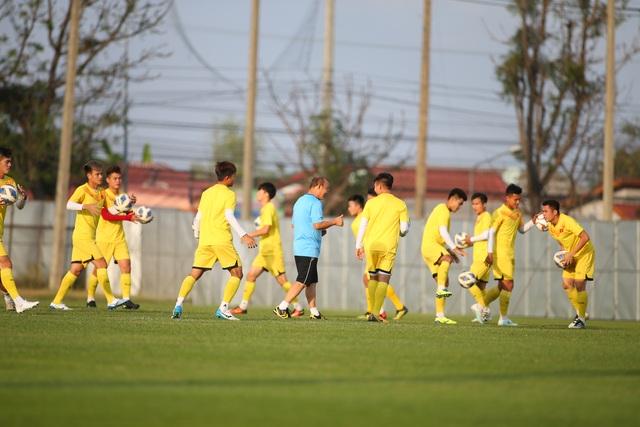 U23 Việt Nam luyện bóng bổng, sẵn sàng đấu U23 UAE trận ra quân - 2