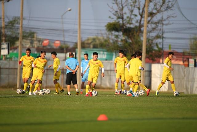 U23 Việt Nam luyện bóng bổng, sẵn sàng đấu U23 UAE trận ra quân - 5