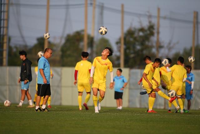 U23 Việt Nam luyện bóng bổng, sẵn sàng đấu U23 UAE trận ra quân - 13