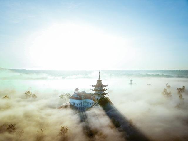 """""""Lung linh"""" ngôi chùa cổ nhìn từ trên cao - 1"""