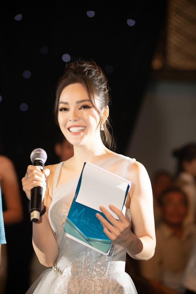 Dương Cẩm Lynh tiết lộ sức khoẻ yếu, cát-xê chỉ từ đóng phim không đủ sống - 5
