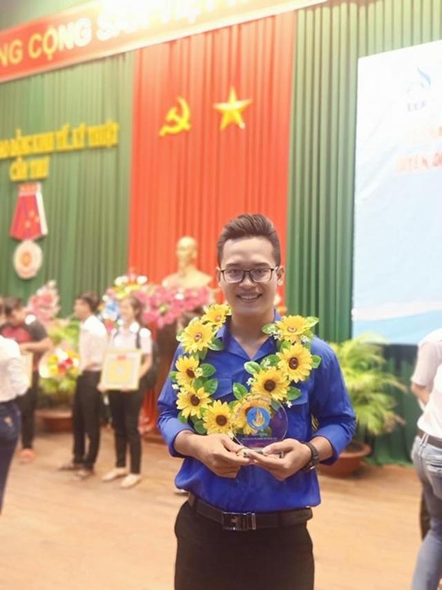 Vượt khó vươn lên, nam sinh Khmer giành giải thưởng Sao tháng Giêng 2019 - 2