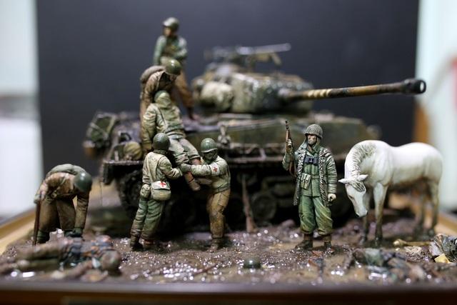 Sa bàn chiến tranh.jpg