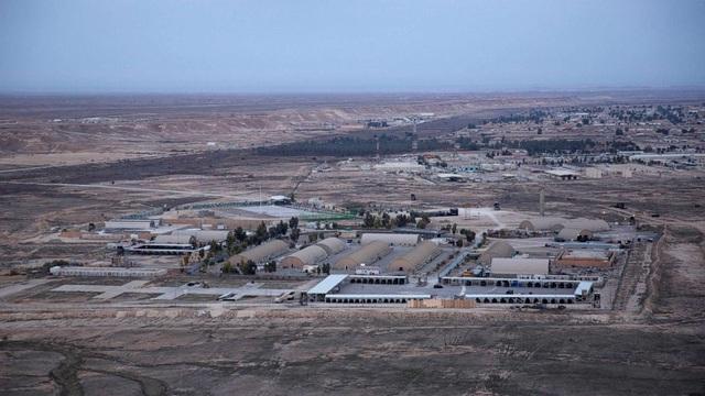 Iran bắn hàng chục tên lửa vào căn cứ có quân Mỹ đồn trú tại Iraq - 2