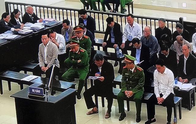 Cựu Phó Chánh văn phòng Đà Nẵng khóc nghẹn, sợ không qua nổi trong tù! - 1