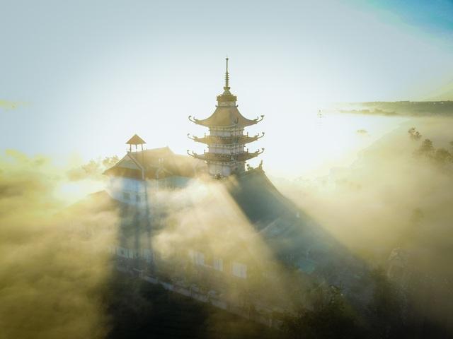 """""""Lung linh"""" ngôi chùa cổ nhìn từ trên cao - 3"""