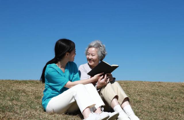 Các cụ về già muốn được sống thảnh thơi, con cái nên ủng hộ - 1