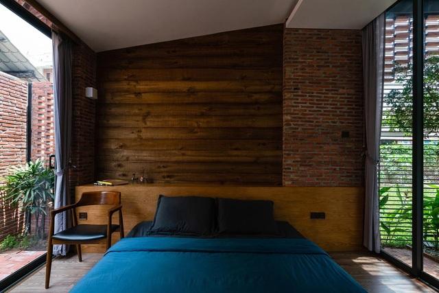 """Ngôi nhà bằng gạch mộc gây ấn tượng bởi thiết kế """"vừa cũ, vừa mới"""" - 6"""