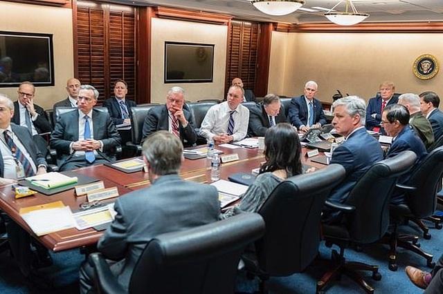 """Ba giờ đồng hồ """"căng như dây đàn"""" ở Nhà Trắng trước khi Iran nã tên lửa - 1"""
