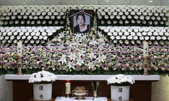Tâm sự của một nhà báo Hàn Quốc từng đưa tin về 30 vụ tự tử - 1