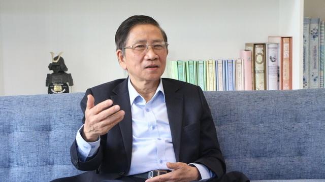 """GS Nguyễn Minh Thuyết: Nên quy định giá """"trần"""" và """"sàn"""" cho SGK mới - 1"""