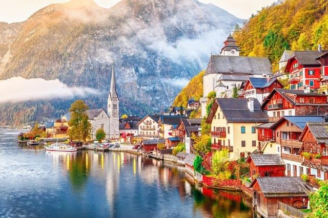 Ngôi làng đẹp nhất thế giới cầu xin khách du lịch đừng tới - 1