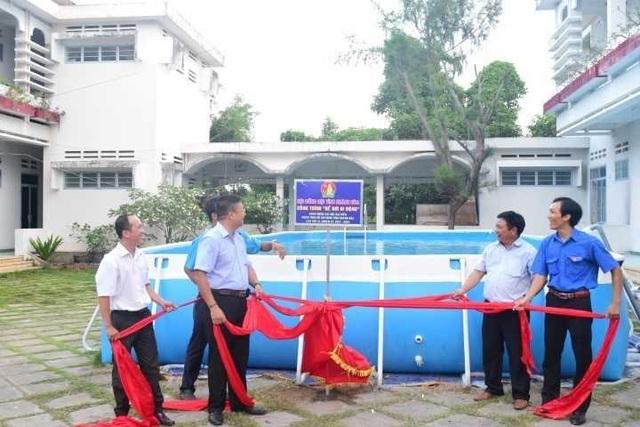 Trao tặng 5 bể bơi di động miễn phí của nhà sản xuất Hoàng Hải - 1